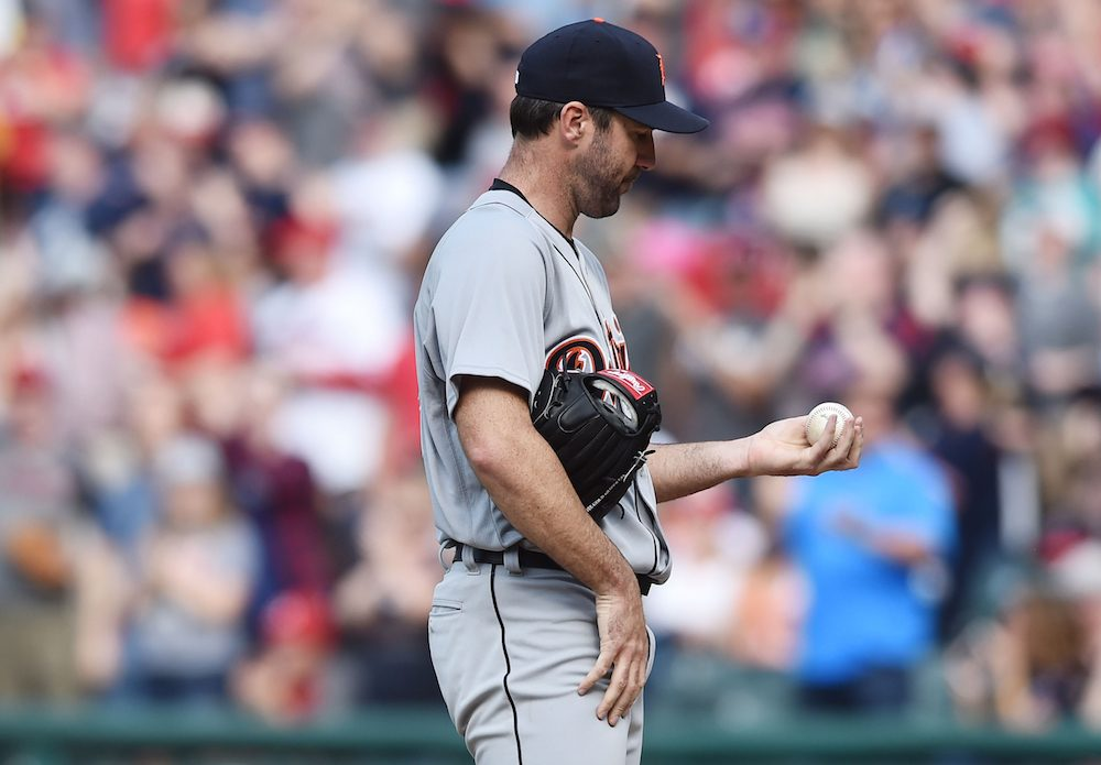 Verlander tries to correct report that injury will end season