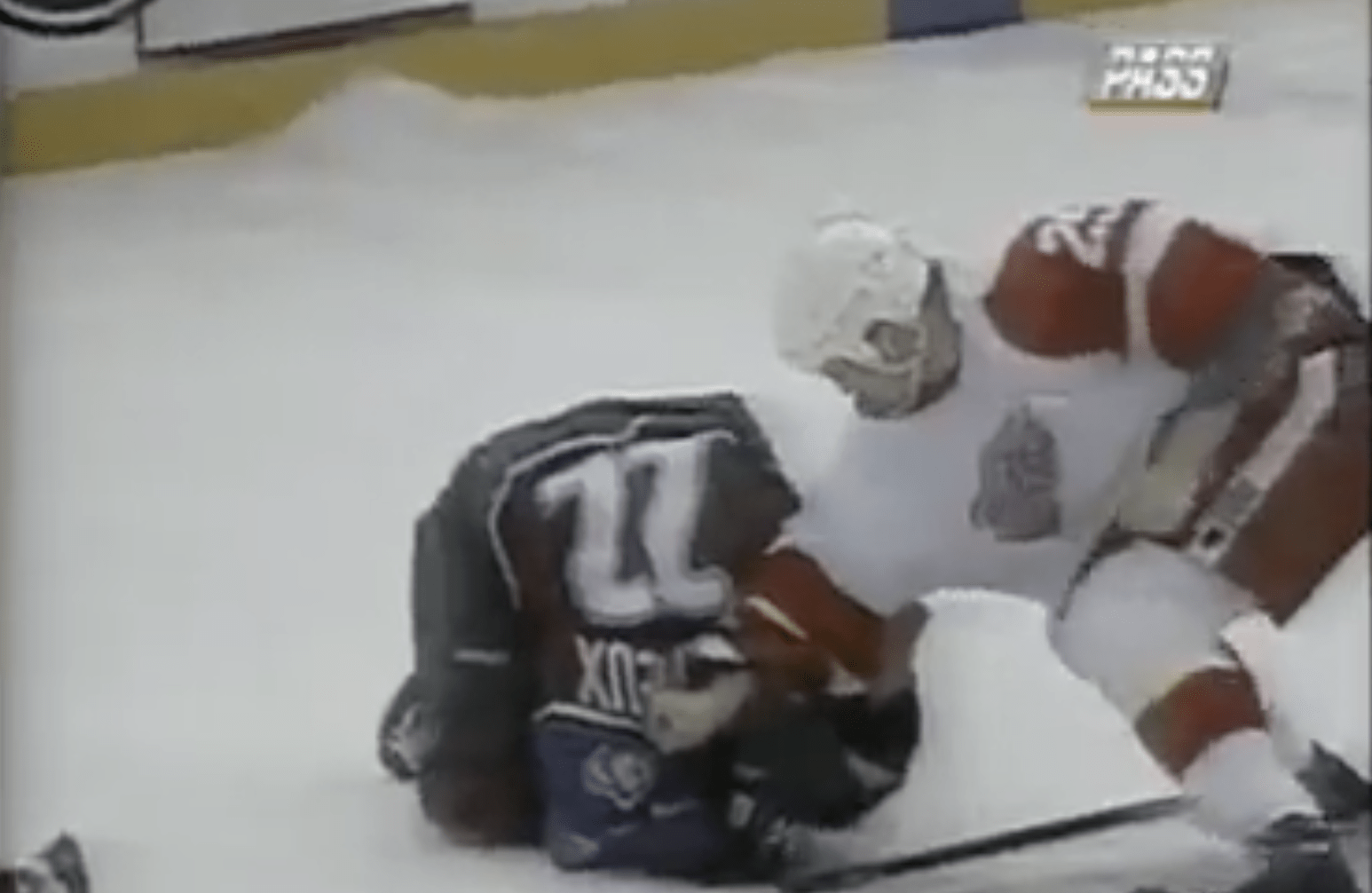 Top 10 Fights from the Red Wings vs. Avalanche Epic 1997 Bloodbath [Videos] | Detroit Sports Nation